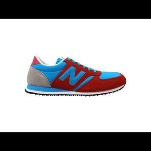 NWOT / New Balance Classic 420 Shoes